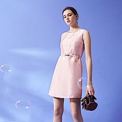 Chaber巧帛 粉嫩微甜波點提花無袖顯瘦連身造型禮服洋裝(兩色)-粉
