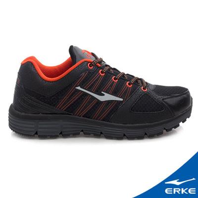 ERKE 鴻星爾克。男運動常規慢跑鞋- 正黑/西紅橙