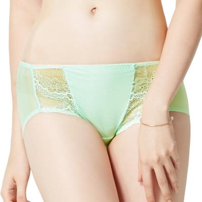 思薇爾 春舞系列M-XL蕾絲低腰平口內褲(甘露綠)