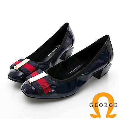 GEORGE 喬治-金屬飾扣圓頭真皮包鞋中跟鞋-深藍