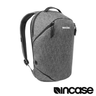 Incase Reform 系列 13 吋相機後背包 (個性黑)