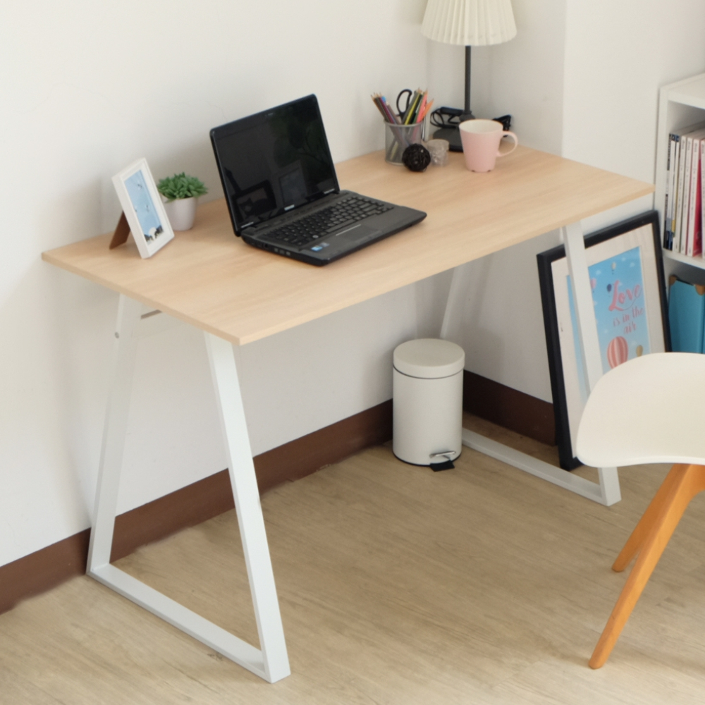 EASY HOME 防潑水/耐磨加寬電腦工作桌(原木色)-120x60x75.5cm
