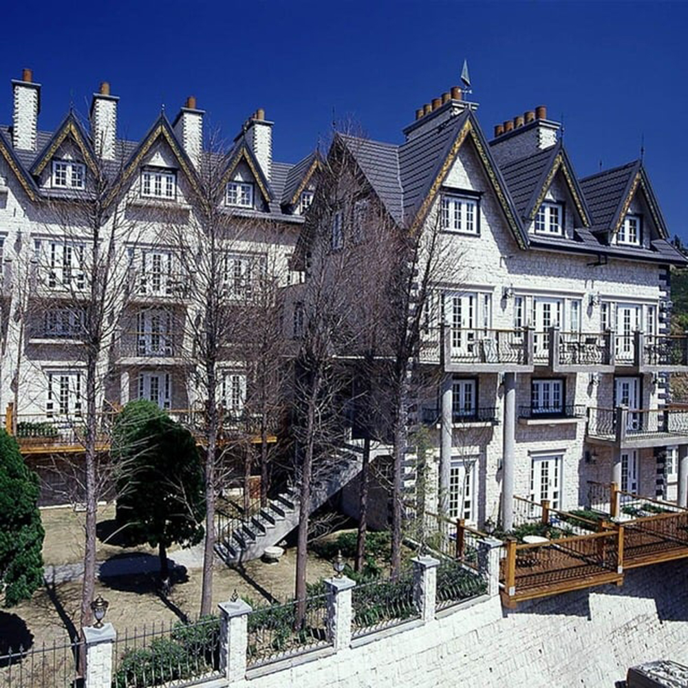 (南投清境)香格里拉音樂城堡 3人遊吟詩人房一泊一食