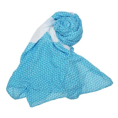 MICHAEL KORS 滿版字母LOGO拼接撞色薄圍巾-水藍/白