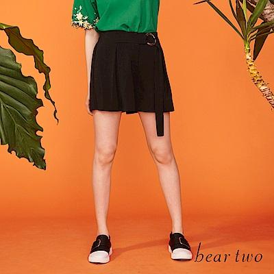 beartwo 百摺造型穿環綁帶短褲裙(二色)