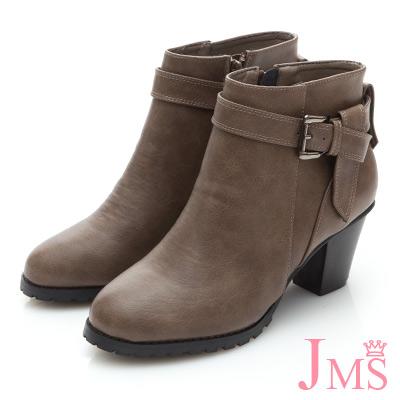 JMS-美人氣勢扣環造型皮帶粗跟短靴-卡其色