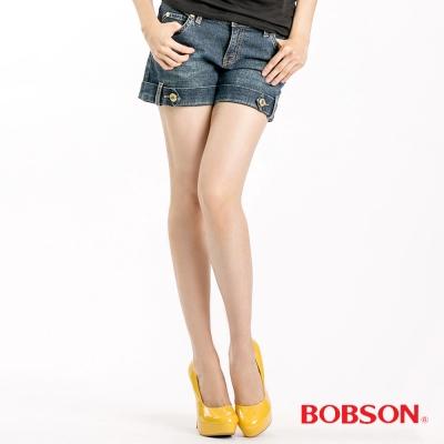 BOBSON 女款小尻革命金釦反褶淺藍短褲