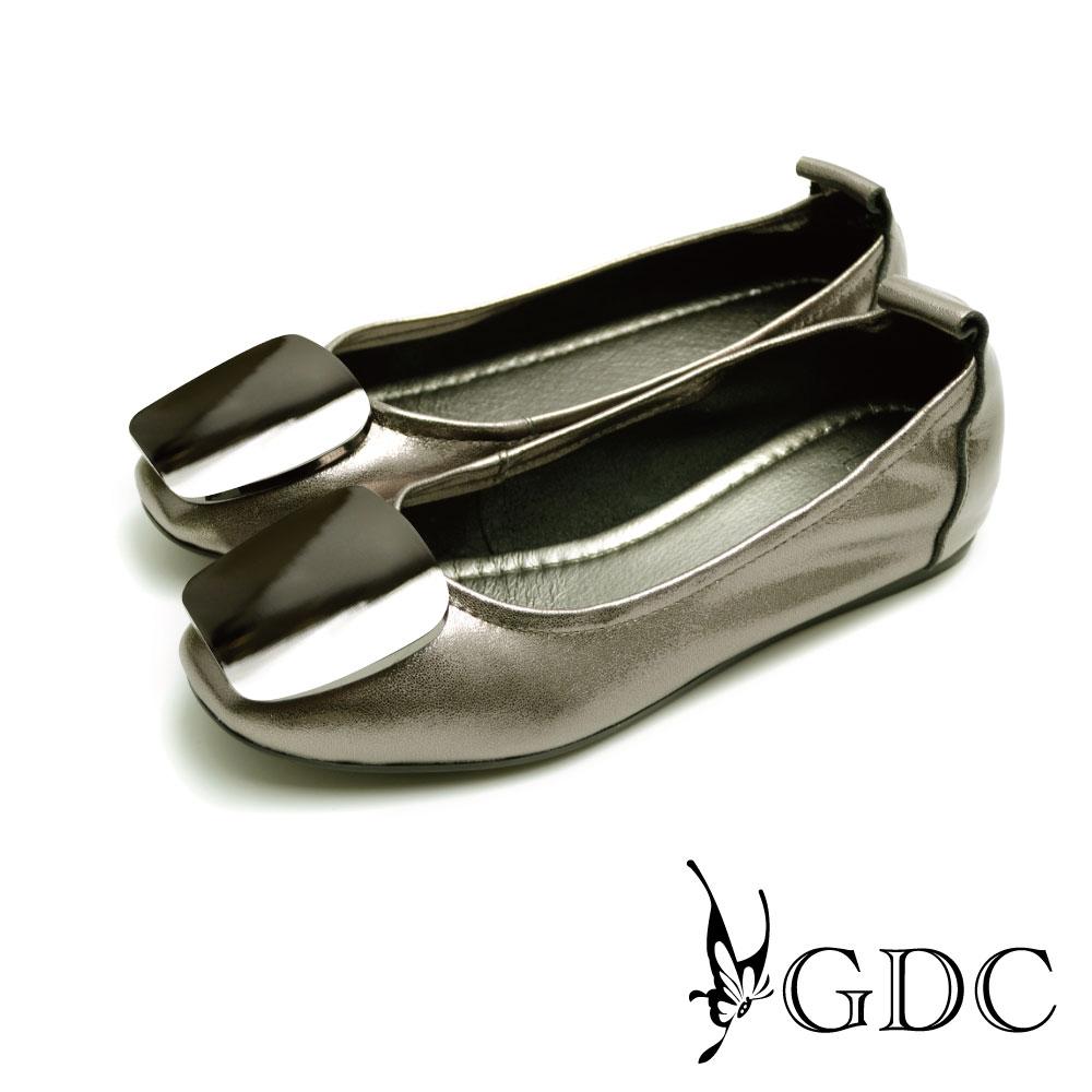 GDC-方形亮面飾扣真皮平底娃娃鞋-灰色