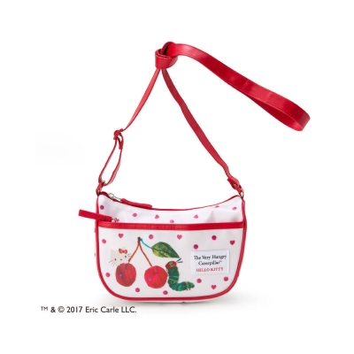 Sanrio HELLO KITTY*好餓的毛毛蟲聯名童用斜背包(點點愛心)