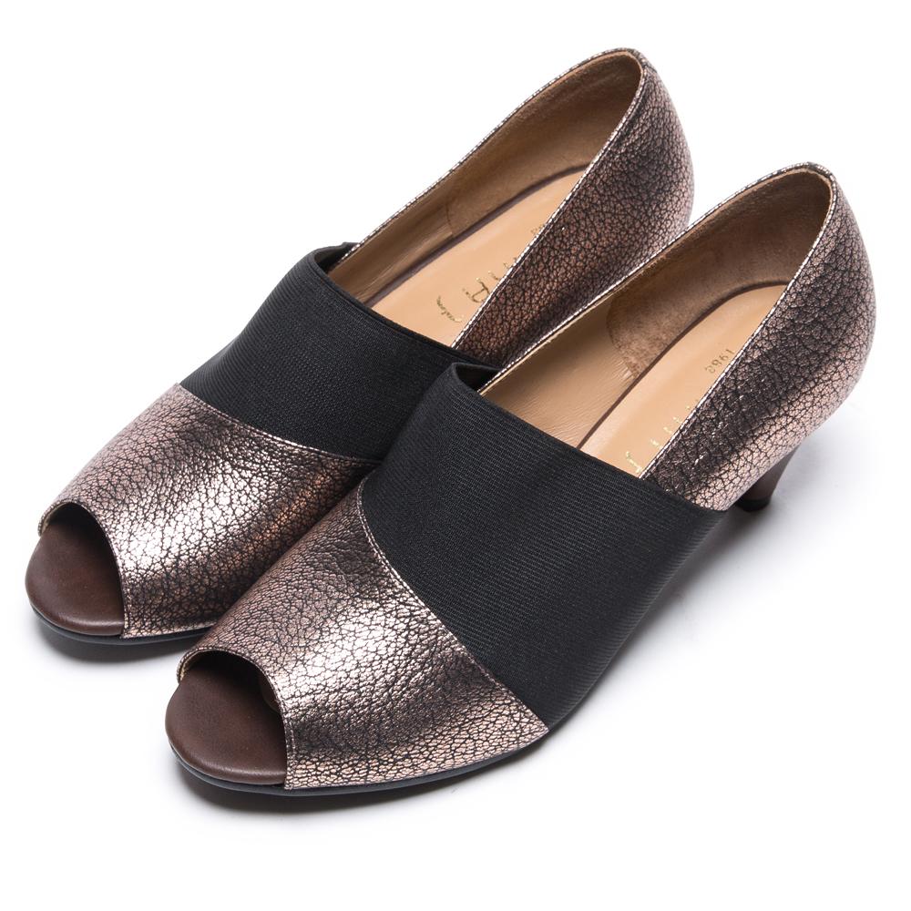 DIANA 時髦簡約--韓系異材質拼接魚口跟鞋-古銅