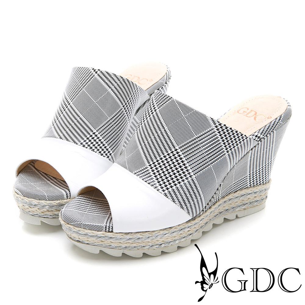 GDC-真皮格紋撞色英倫風楔型拖鞋-白色