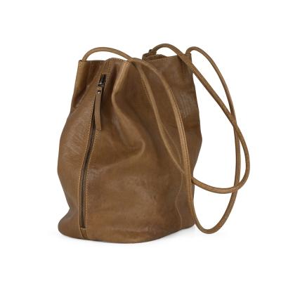 MARKBERG Eliana 丹麥手工牛皮雙側鍊水桶包 肩揹/手提/後揹三用包(楓葉棕)