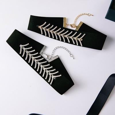 梨花HaNA-黑白對比時尚前線全鑽手工頸鍊金