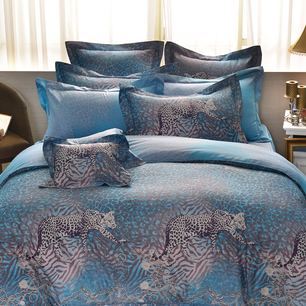 法國CASA BELLE 摩洛金豹 雙人長絨細棉天絲舖棉防蹣抗菌兩用被床包組