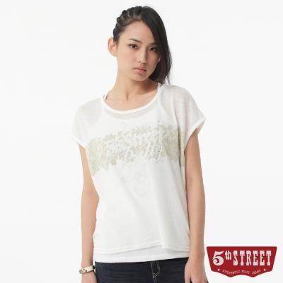5th STREET T恤 蕾絲植絨印字T恤-女-白色