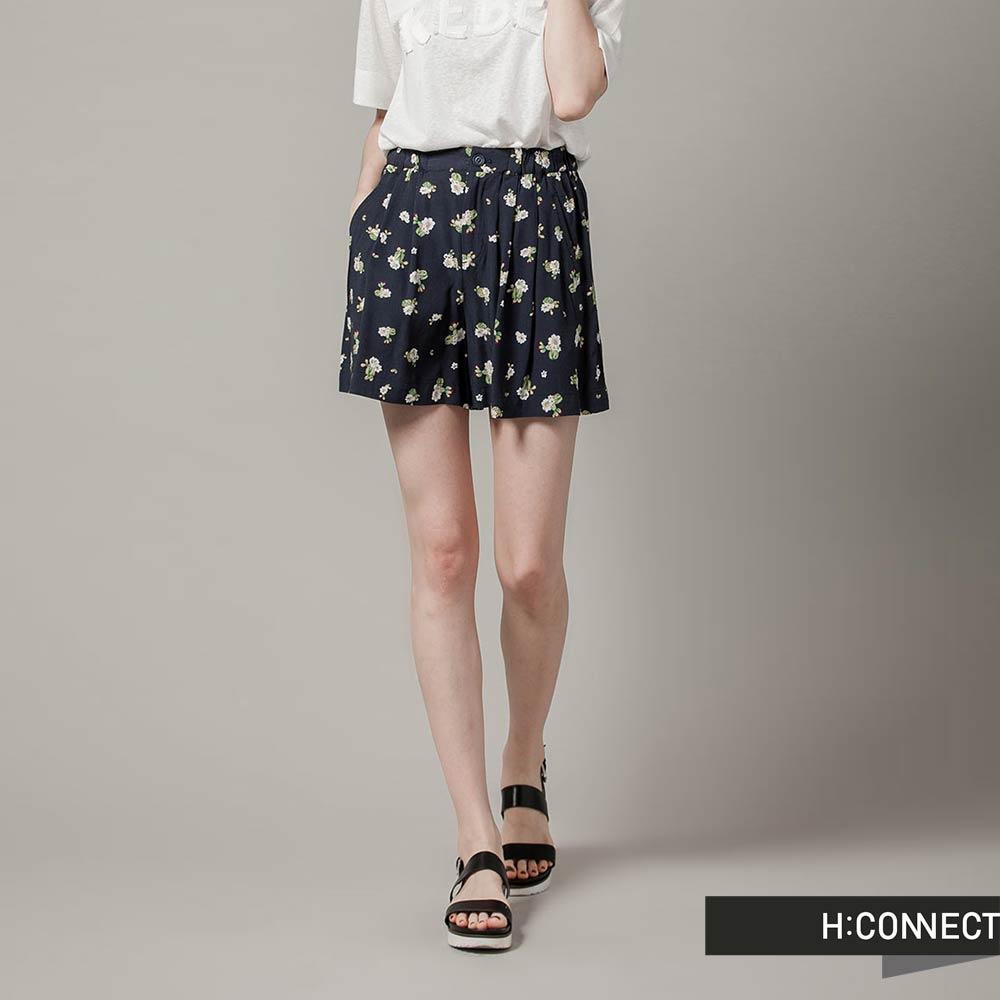 H:CONNECT 韓國品牌 女裝-氣質花朵打摺短褲-藍(快)