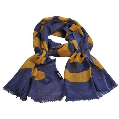 MOSCHINO 品牌字母大圖騰LOGO高質感薄羊毛披肩圍巾(單寧色/黃字)
