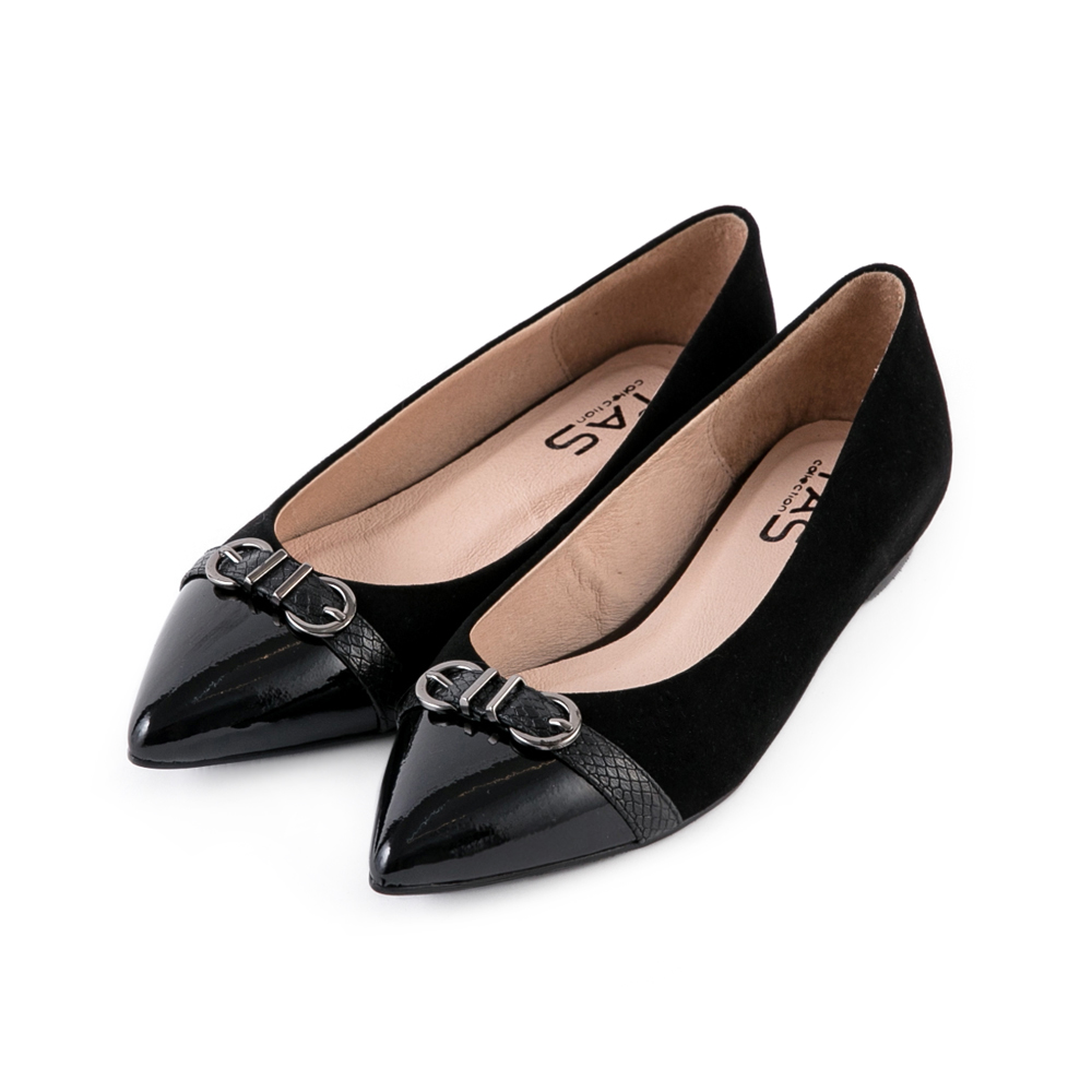 TAS 雙C質感金屬壓紋扣帶尖頭鞋-時尚黑