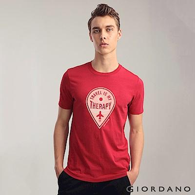 GIORDANO 男裝棉質熱愛旅行印花圓領T恤-16 絲帶紅
