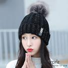 A-Surpriz 徽章B混金蔥毛球針織帽(黑)