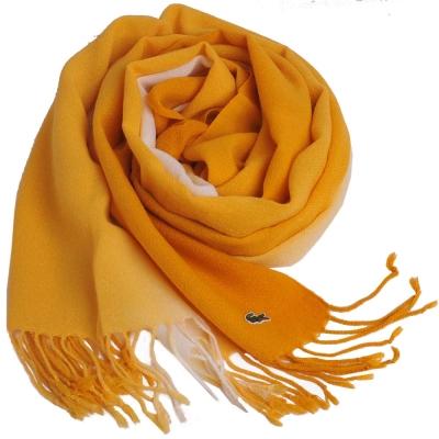 LACOSTE 經典品牌鱷魚圖騰刺繡LOGO漸層造型保暖圍巾(黃)
