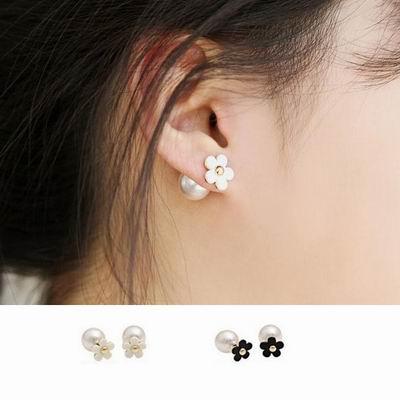 iSFairytale伊飾童話 優雅小花 兩搭雙面珍珠針式耳環 2色可選