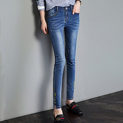 ALLK 中腰刺繡直筒牛仔褲 淺藍色 (腰圍27-31)