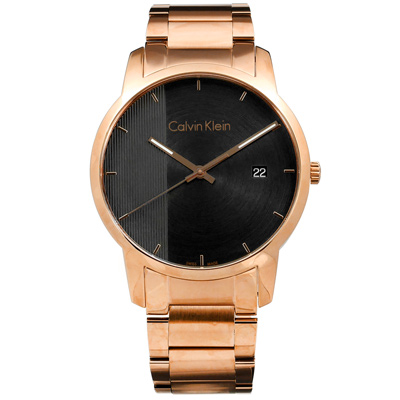 CK  經典直條紋日期視窗瑞士製造不鏽鋼手錶-黑x鍍玫瑰金/43mm