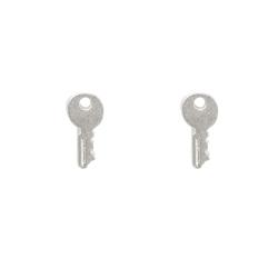 Dogeared 鑰匙 Key to success  銀色耳環 附原廠盒