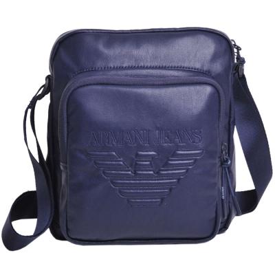 ARMANI JEANS 品牌字母大鷹圖騰LOGO斜背包(深夜藍)