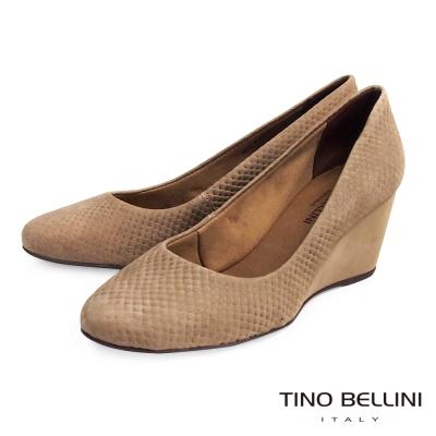 Tino-Bellini-巴西真皮立體蛇紋壓紋楔型鞋-駝