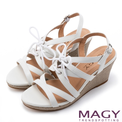 MAGY 異國時尚風情 鏤空綁帶楔型高跟羅馬涼鞋-白色