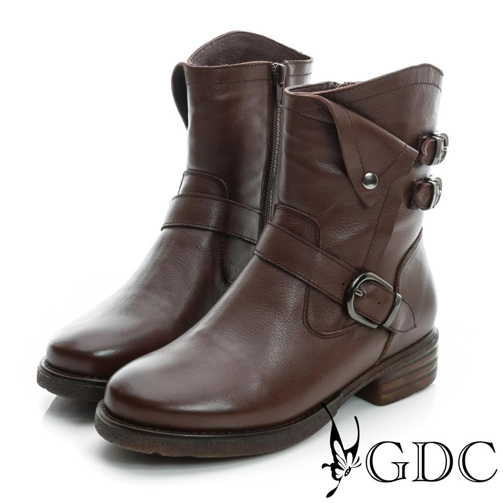 GDC個性-三皮帶造型反折軍風真皮中筒靴-棕色