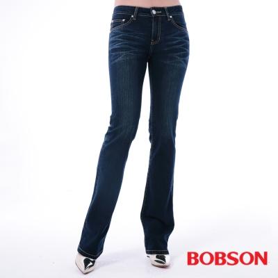 BOBSON 女款口袋菱紋刺繡小喇叭褲