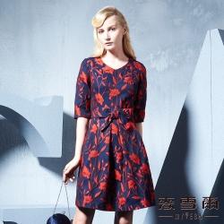 麥雪爾 立體花朵刺繡短洋裝
