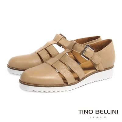Tino Bellini 個性線條鏤空小坡跟真皮鞋_淺駝
