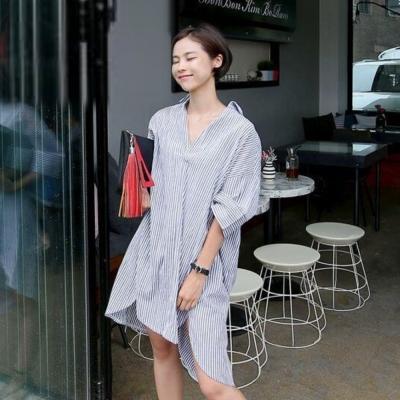 La Belleza胸開襟V字領直條紋寬鬆棉麻長版襯衫