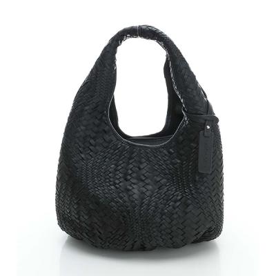 LouiseC. 羊皮編織小水滴肩背包 - 黑色 LC4763-05