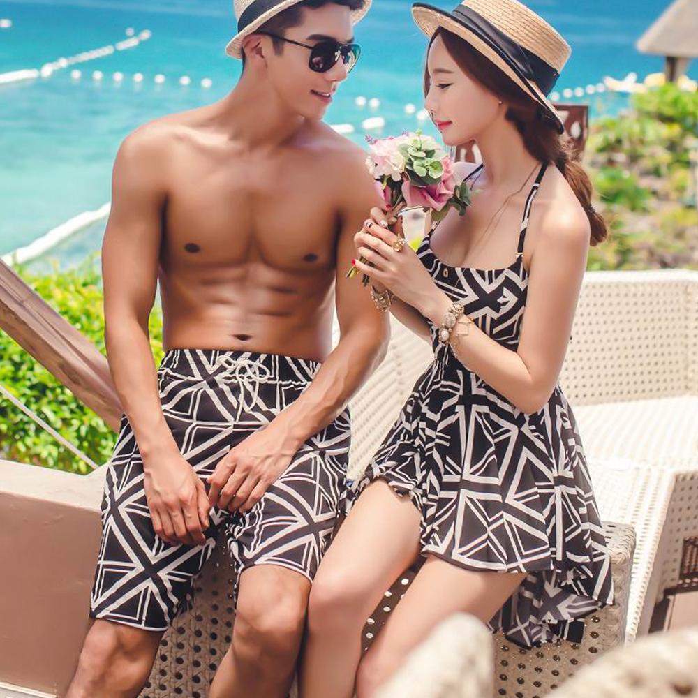 Biki比基尼妮泳衣,黑白圖形前短後長情侶泳衣男泳褲(男生購買區)