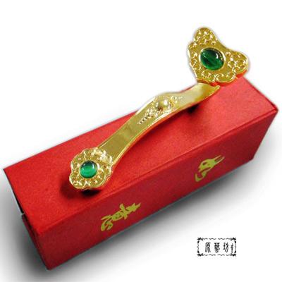 【原藝坊】銅鎏金巧雕--金如意擺飾+招正財綠貓眼(長95mm)