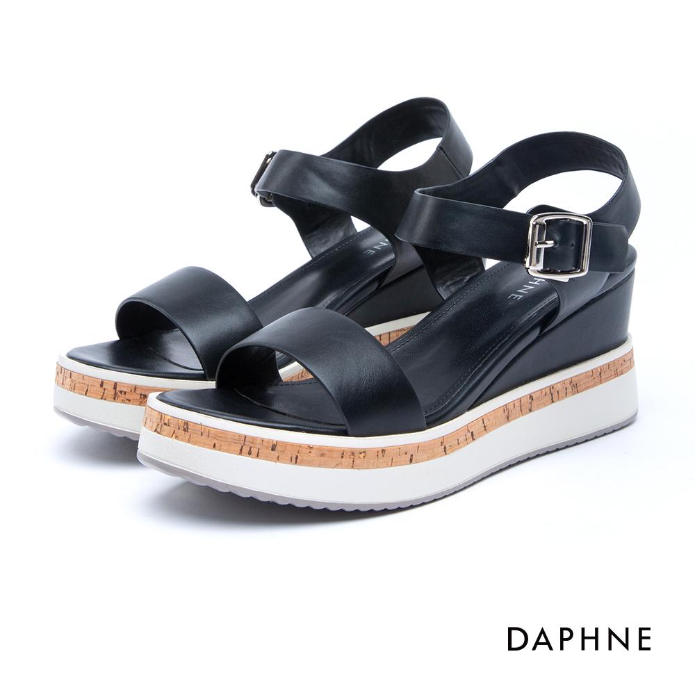 達芙妮DAPHNE 涼鞋-一字寬帶Y型繞踝方釦釦帶厚底涼鞋-黑