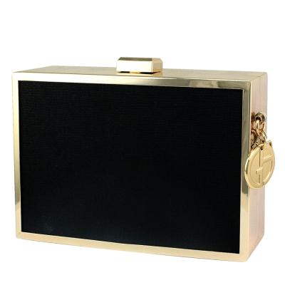 GIORGIO ARMANI(GA)金屬奢華硬殼手拿包