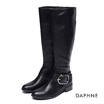 達芙妮DAPHNE 長靴-皮帶釦拼接寬筒低跟長靴-黑