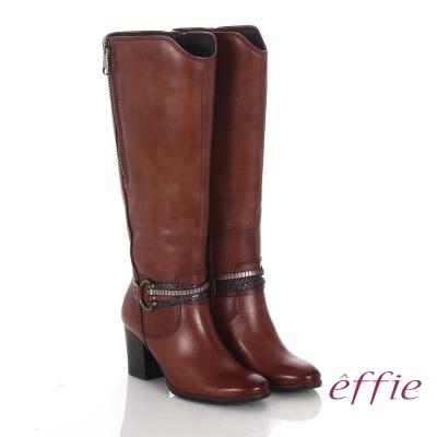 effie 魅力時尚 真皮V型金屬鍊條粗高跟長靴 茶