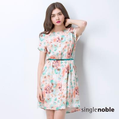 獨身貴族 墨染感手繪花卉短袖洋裝(2色)