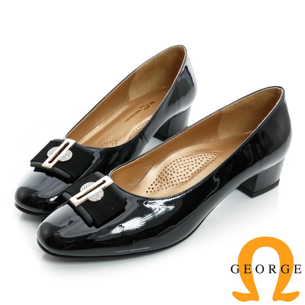 GEORGE-漆皮水鑽絨面金屬飾扣真皮中跟鞋-黑色