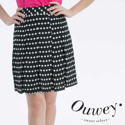 OUWEY歐薇-日系十字花壓摺短裙