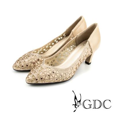 GDC-三角水鑽縷空拼接真皮尖頭高跟鞋/婚鞋-米杏色