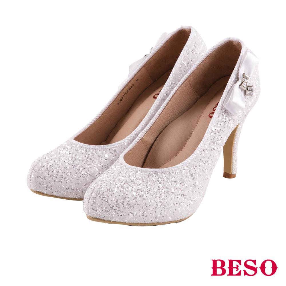 BESO 璀璨典藏 緞帶蝴蝶結愛心水鑽婚鞋~白