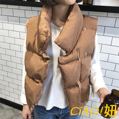 不規則領口短款羽絨棉背心 (共三色)-CIAO妞